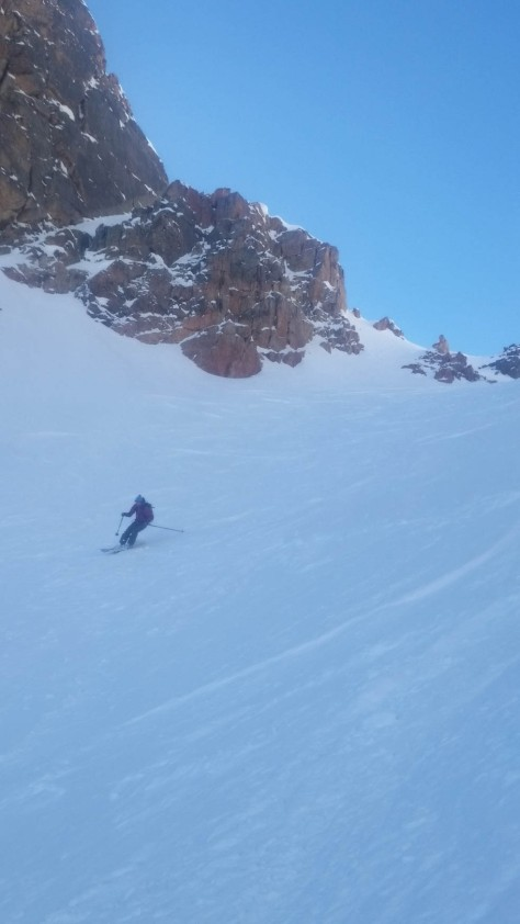 Fun turns in the heart of the Dike Couloir.