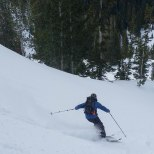 Arching some nice powder turns.